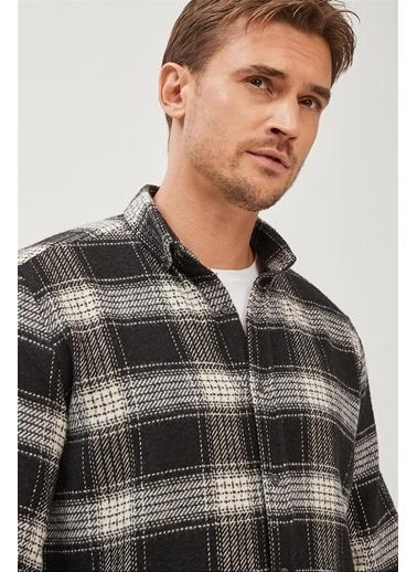 Avva Erkek  Ekoseli Düğmeli Yaka Comfort Gömlek A02Y2300 Siyah